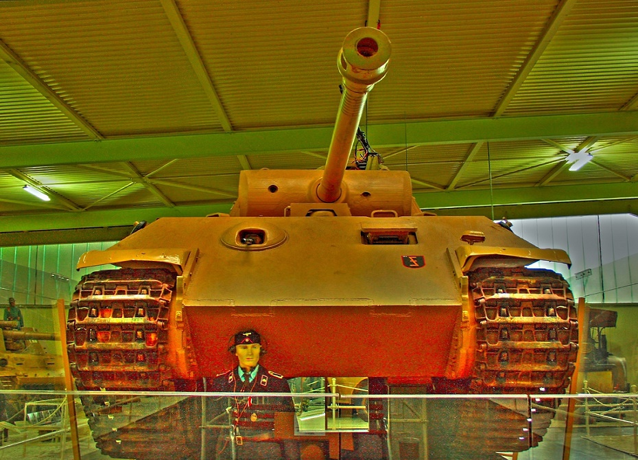 Танк «Пантера» времен Второй мировой найден в подвале одного из домов в Германии.