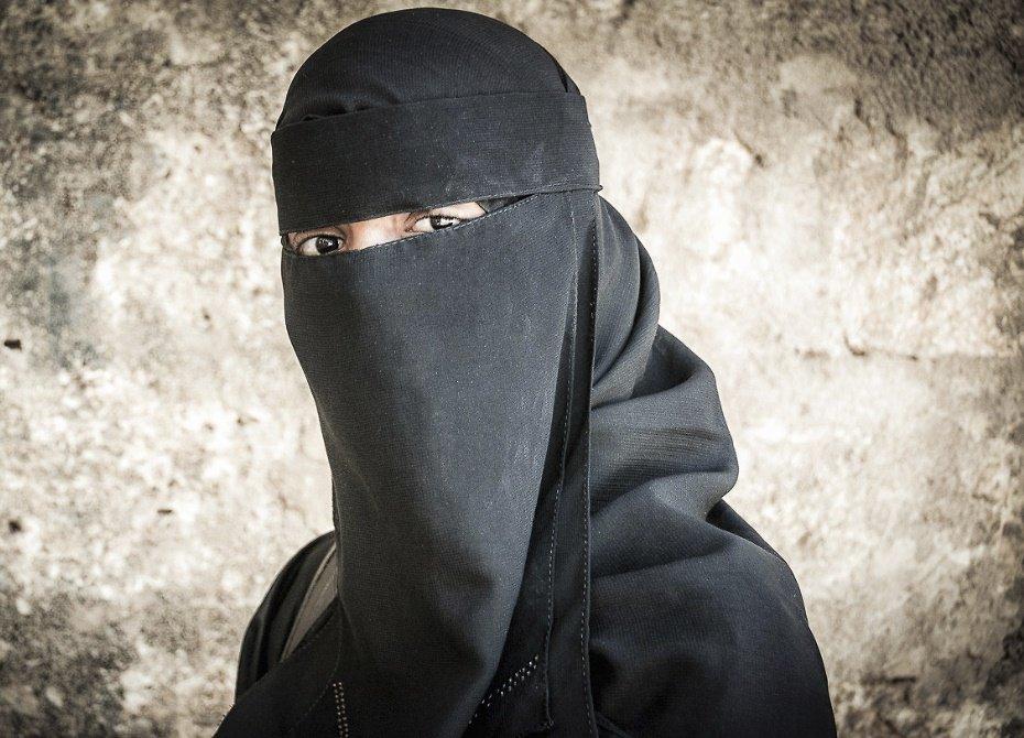 Женщины ИГ готовят взрывы в метро Петербурга и Екатеринбурга