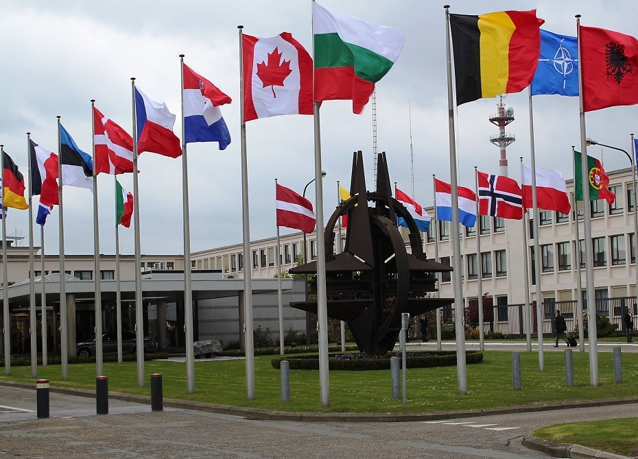 Столтенберг поведал опланах НАТО вотношении Украины
