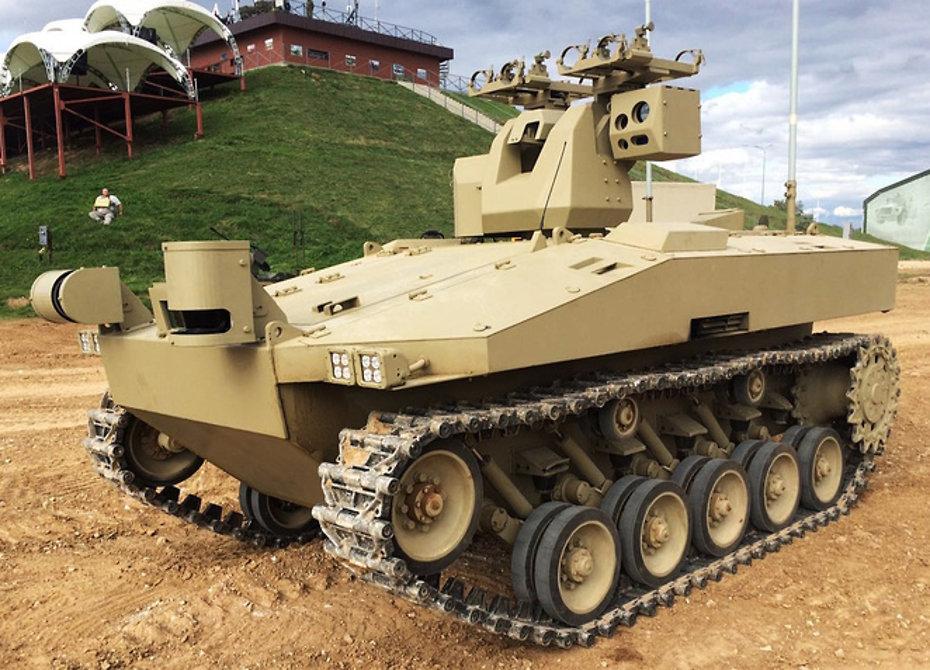 Военным в Российской Федерации будет помогать гусеничный робот «Соратник»