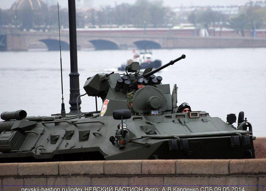 Росгвардия получит новые БТР-82В в последующем 2017г.