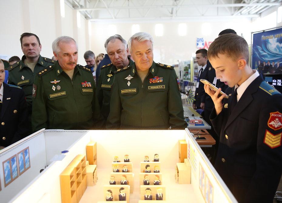 Чем удивили изобретательные суворовцы и кадеты (фото)