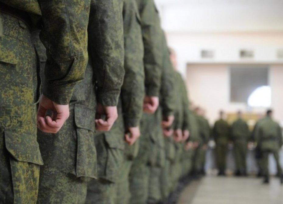 Путин поручил Минобороны представить предложения поувеличению срока службы офицеров