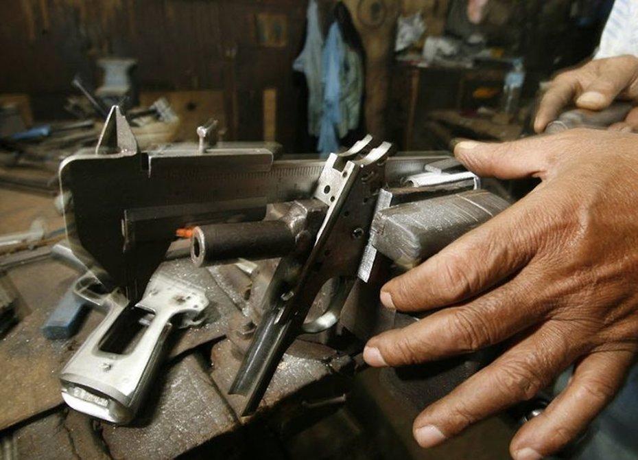 Гражданин  Алтая получил срок заизготовление пистолета издетской коляски