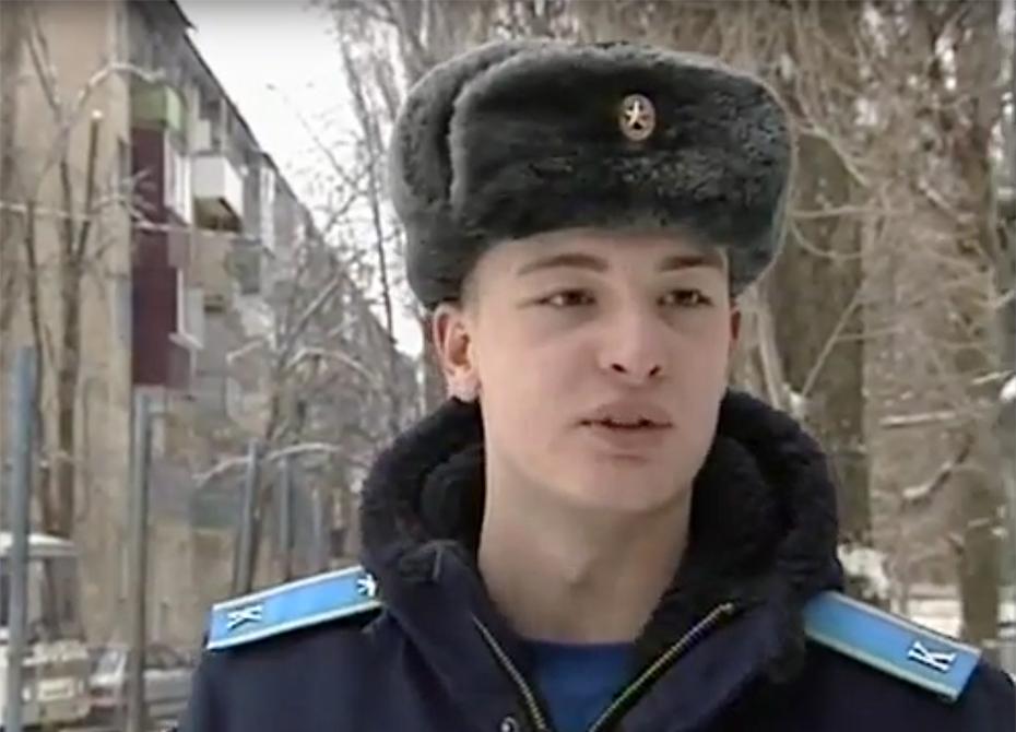 Воронежский курсант спас двух детей из горящего дома