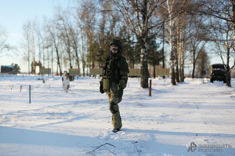 http://defendingrussia.ru/upload/images/ckeditor5/ratnik_13_film_bokeh.jpg