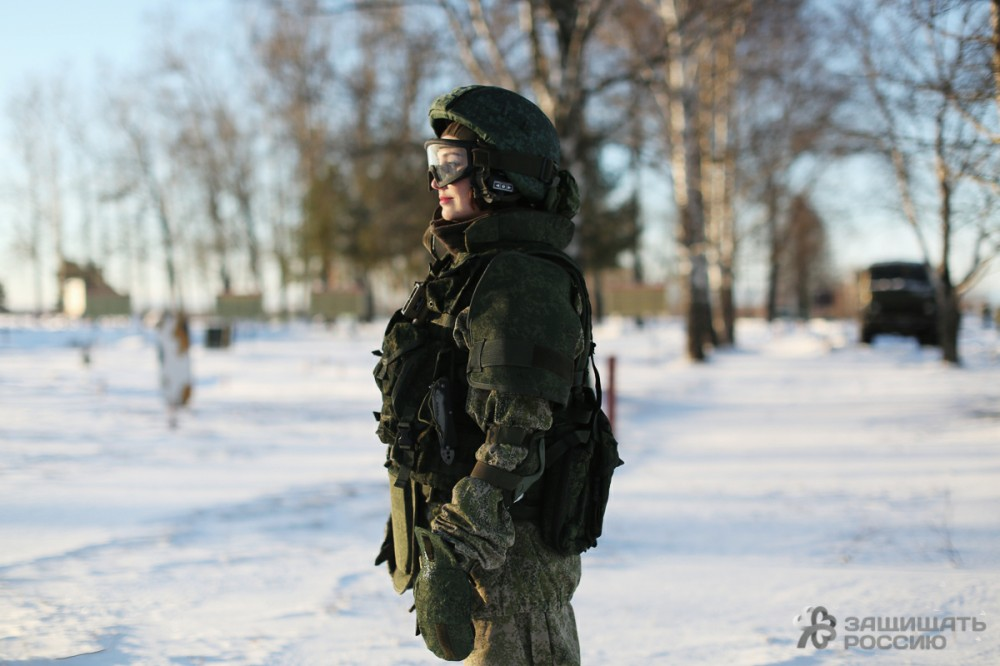http://defendingrussia.ru/upload/images/ckeditor5/ratnik_14_film_bokeh.jpg