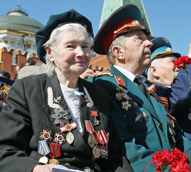 Герой Советского Союза Екатерина Илларионовна Михайлова (Демина), Москва, Красная площадь, 9 мая 2013 года