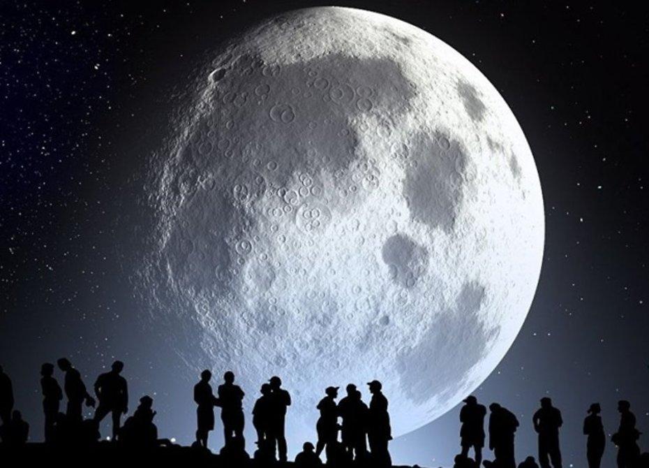 Нужно ли России осваивать Луну и Марс?
